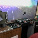 KZEL - 810 - kabina s ovladacimi prvky a projekci 2