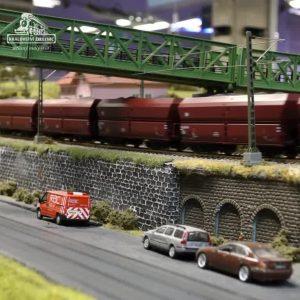 Pohled na vlak přepravující uhlí v Ústeckém kraji. Přejeme všem prima středu od mašinek…